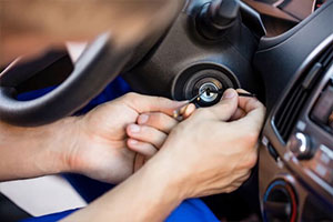 car key broken, call automotive locksmiths